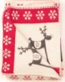 červená vianočná deka so sobmi