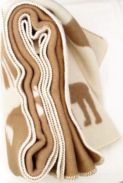 Kvalitná vlnená deka so sobmi bielo-hnedá