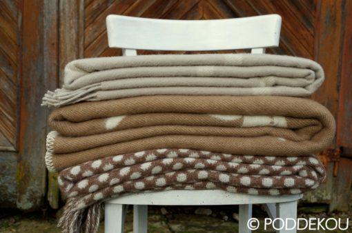 Vlnená deka so sobom – hnedá
