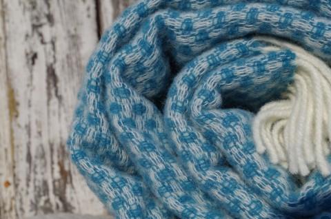 Tyrkysová modrá vlnená deka so strapcami