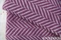 Luxusná fialovo - biela vlnená deka herringbone