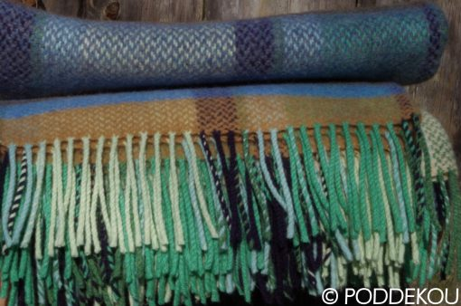 Merino kašmírový károvaný pléd so strapcami