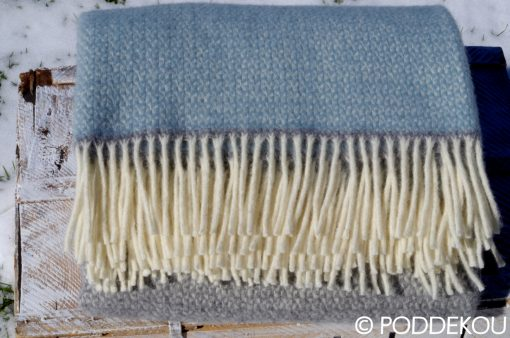 Elegantná deka z ovčej vlny 100% prírodný materiál, prehoz na posteľ sivý, modrý , prúhovaný, letná deka so strapcami